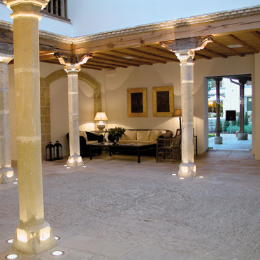 Alojamientos en baeza para el congreso lev - Hotel puerta del arco ...